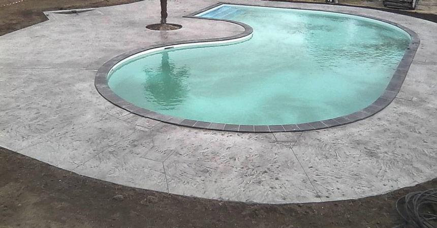 Pourquoi faire la plage de piscine en béton imprimé ?