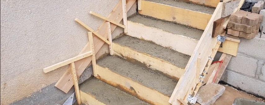 escalier beton coffrage et decoffrage