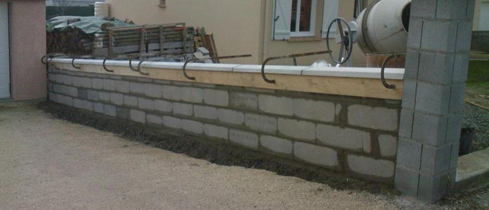 comment faire la fondation d un mur de cl ture beton expert. Black Bedroom Furniture Sets. Home Design Ideas